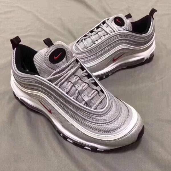 giày Nike chính hãng