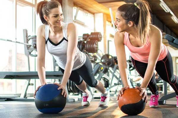 tập gym ngực có to không